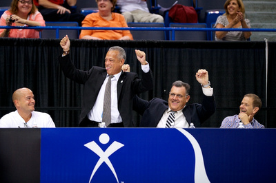 The Hartford Mayor and Steve Penny dance during a rotation break