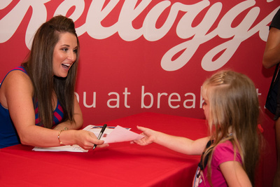 Carly Patterson signs autographs